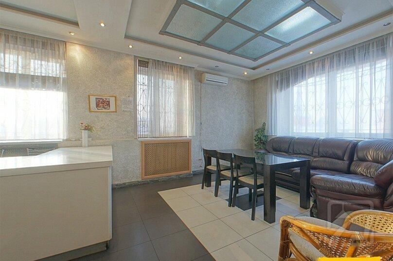 Шикарный дом посуточно, для Вас!, 400 кв.м. на 24 человека, 8 спален, Славная улица, 4, Челябинск - Фотография 3