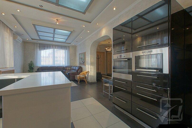 Шикарный дом посуточно, для Вас!, 400 кв.м. на 24 человека, 8 спален, Славная улица, 4, Челябинск - Фотография 4