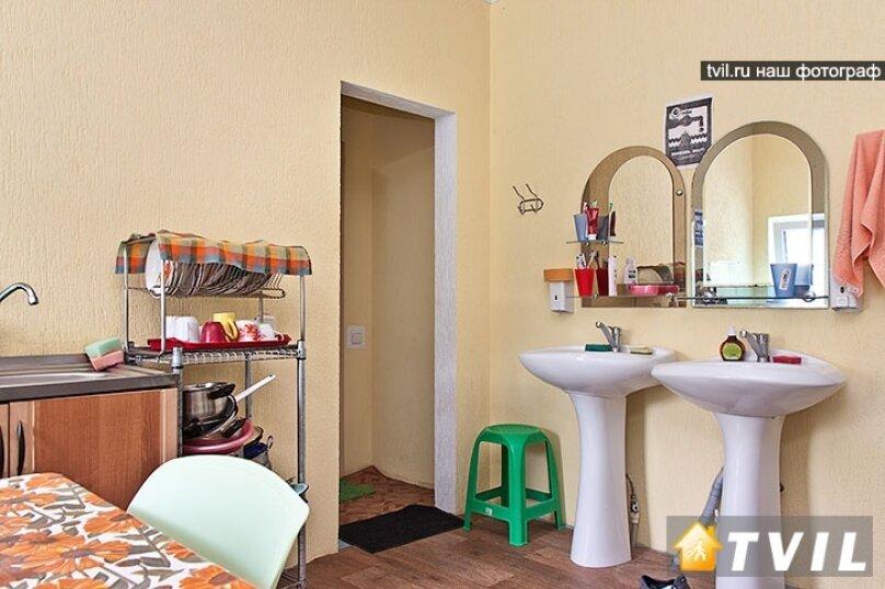 Гостевой дом Зелёный дворик, улица Луначарского, 320Б на 2 комнаты - Фотография 14