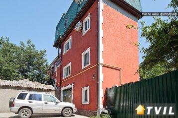 Гостевой дом, Таманская улица, 68А на 8 номеров - Фотография 1