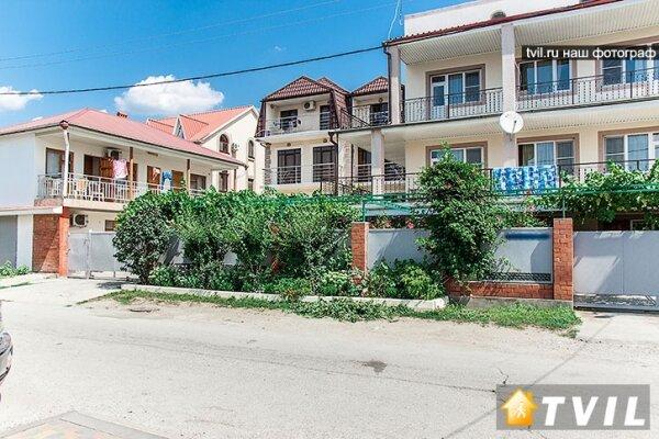 Гостевой дом, Коллективная улица, 60 на 10 номеров - Фотография 1