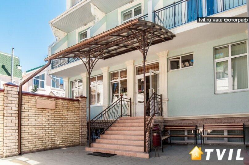 Гостевой дом Art-Hotel, улица Самбурова, 52А на 16 комнат - Фотография 1