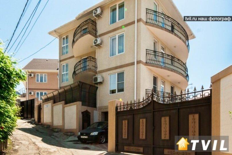 Гостевой дом Бриз-Лоо, Таежная улица, 12 на 8 комнат - Фотография 1