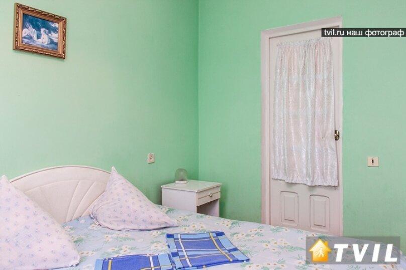 """Гостевой дом """"У Карена"""", Аэродромная улица, 18 на 8 комнат - Фотография 29"""