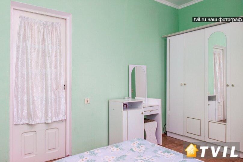 """Гостевой дом """"У Карена"""", Аэродромная улица, 18 на 8 комнат - Фотография 30"""