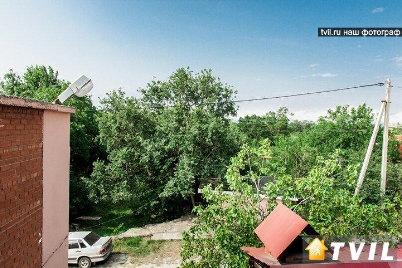 """Гостевой дом """"У Карена"""", Аэродромная улица, 18 на 8 комнат - Фотография 13"""