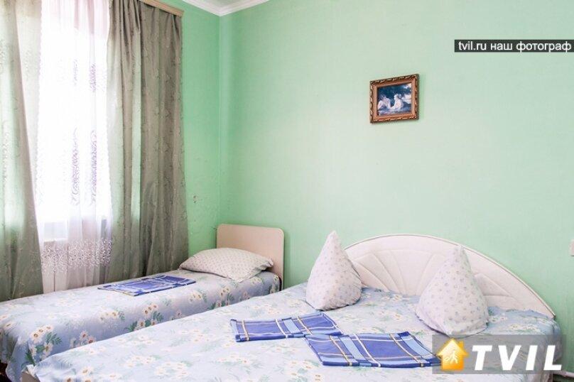 """Гостевой дом """"У Карена"""", Аэродромная улица, 18 на 8 комнат - Фотография 15"""