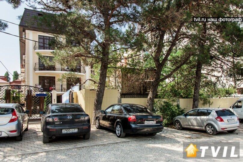 """Отель """"Фаворит"""", улица Леселидзе, 9 на 66 номеров - Фотография 1"""