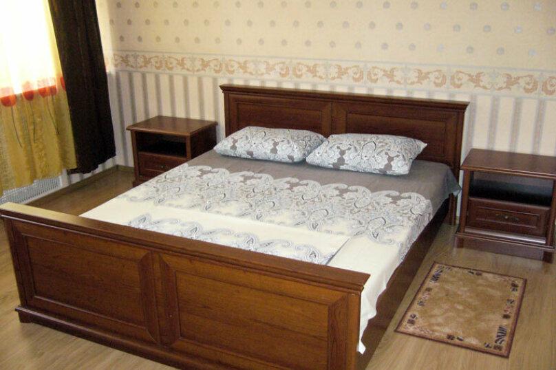 2-комн. квартира на 5 человек, проспект Мира, 89Б, Ноябрьск - Фотография 1