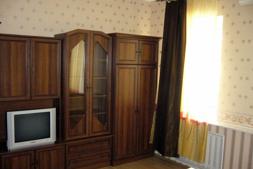 2-комн. квартира на 5 человек, проспект Мира, 89Б, Ноябрьск - Фотография 2