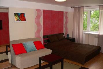 1-комн. квартира, 30 кв.м. на 4 человека, улица Усова, 27А, Томск - Фотография 1