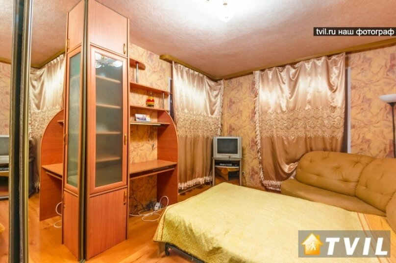 1-комн. квартира, 35 кв.м. на 3 человека, улица Шейнкмана, 45, метро Площадь 1905 года, Екатеринбург - Фотография 1