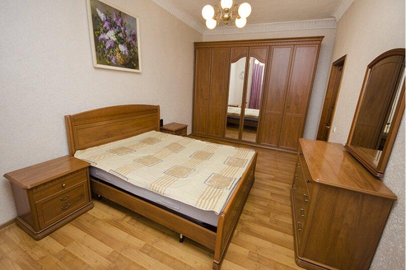 2-комн. квартира, 60 кв.м. на 6 человек, Мельковская улица, 2Б, Екатеринбург - Фотография 1