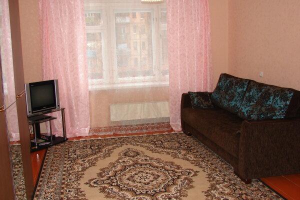 2-комн. квартира, 60 кв.м. на 5 человек, Советская улица, 17А, Коряжма - Фотография 1