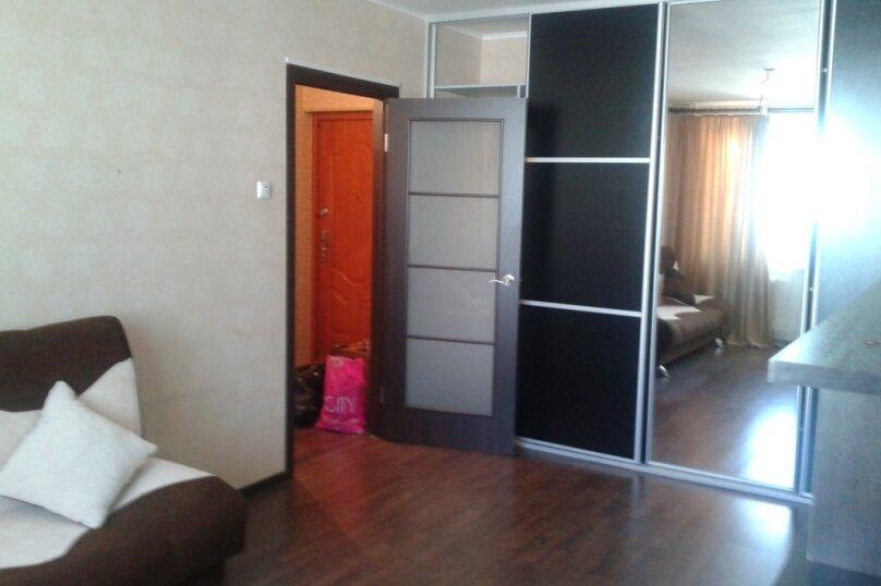 1-комн. квартира, 34 кв.м. на 2 человека, улица Олега Кошевого, 9, Хабаровск - Фотография 2