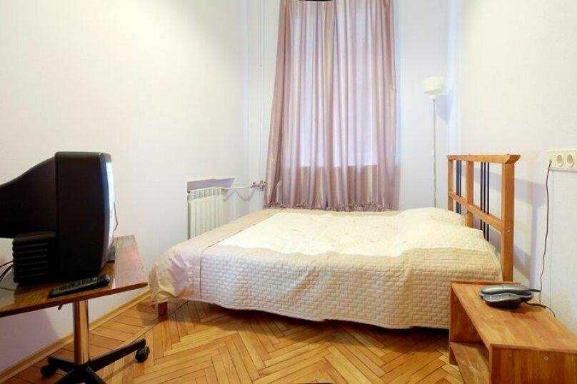 2-комн. квартира, 55 кв.м. на 5 человек, улица Маяковского, 11, Санкт-Петербург - Фотография 1