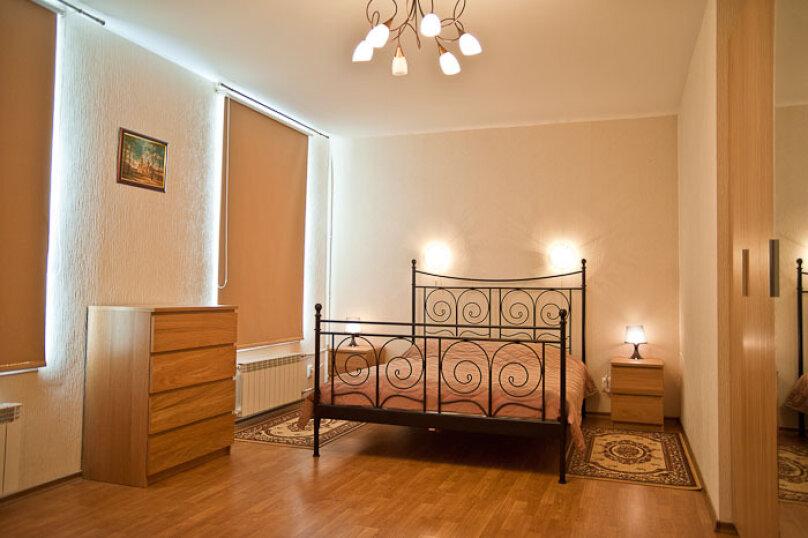 2-комн. квартира, 66 кв.м. на 5 человек, Малая Морская улица, 9, Санкт-Петербург - Фотография 1