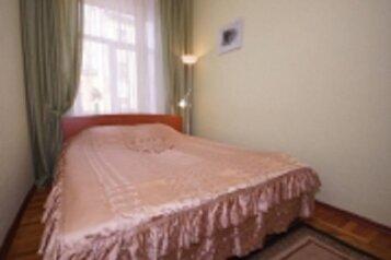 2-комн. квартира, 45 кв.м. на 5 человек, улица Достоевского, метро Владимирская, Санкт-Петербург - Фотография 1