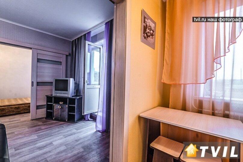 2-комн. квартира, 50 кв.м. на 2 человека, Аэровокзальная улица, 2З, Красноярск - Фотография 13