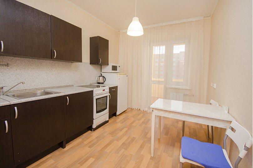 1-комн. квартира, 45 кв.м. на 4 человека, улица Большакова, 75, метро Геологическая, Екатеринбург - Фотография 5