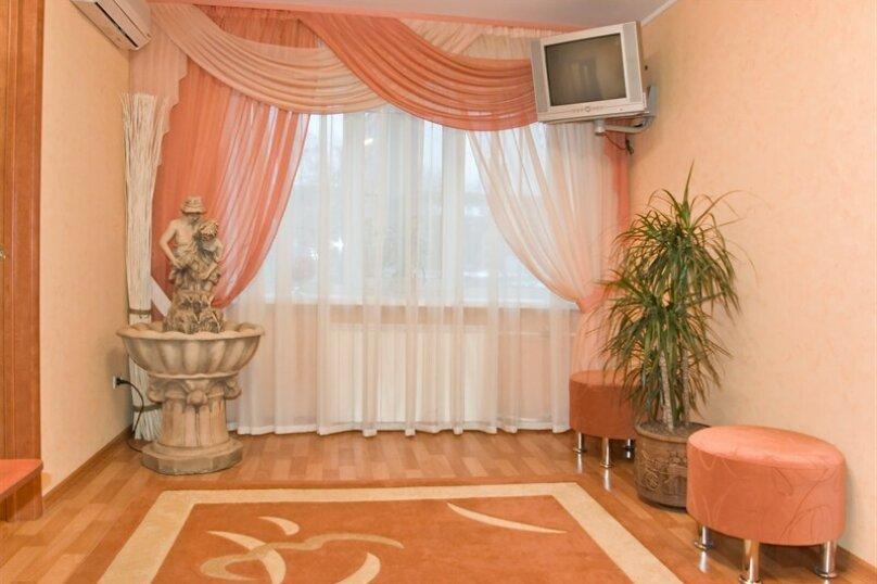 2-комн. квартира на 5 человек, Кольцовская, 30-А, Воронеж - Фотография 2