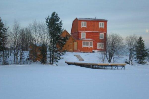 Коттедж на 8 человек, 3 спальни, в 50 метрах от Лоухского озера, -, Лоухи - Фотография 1