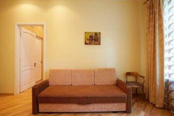 2-комн. квартира, 56 кв.м. на 4 человека, Весенняя улица, 18, Центральный район, Кемерово - Фотография 4