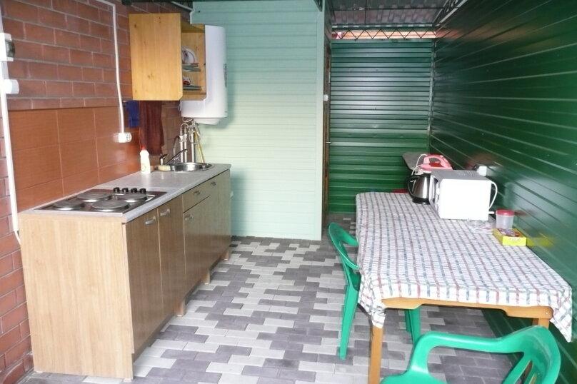 """Гостевой дом """"На Калинина 223"""", улица Калинина, 223 на 5 комнат - Фотография 17"""