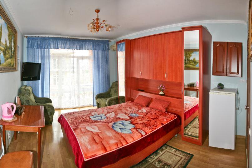 Полулюкс 2+2 отдельный балкон, Колхозная улица, 19, Геленджик - Фотография 1
