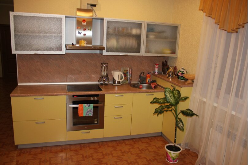 Сдам 2х этажный дом, 240 кв.м. на 12 человек, 4 спальни, Центральная улица, 4, Банное - Фотография 13