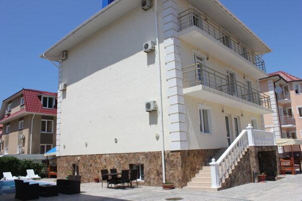 Отель, Чудесная , 49 на 28 номеров - Фотография 1