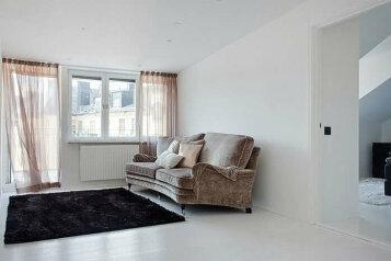 2-комн. квартира, 52 кв.м. на 4 человека, улица Багратиона, 121, Центральный район, Калининград - Фотография 1