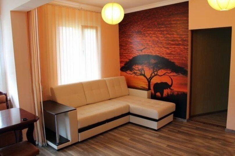 Коттедж, 88 кв.м. на 7 человек, 3 спальни, улица Туманяна, 11, Адлер - Фотография 1
