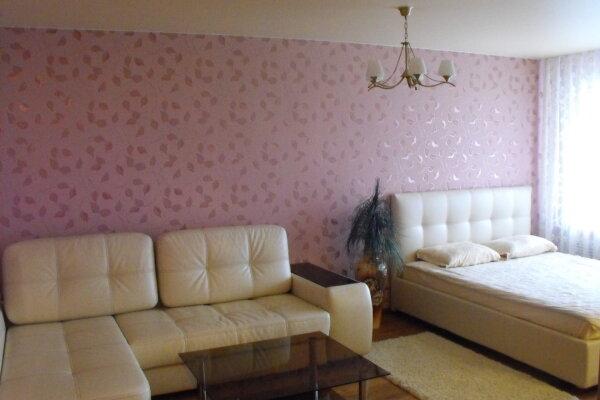 1-комн. квартира, 40 кв.м. на 3 человека, улица Гончарова, 8, Ленинский район, Ульяновск - Фотография 1