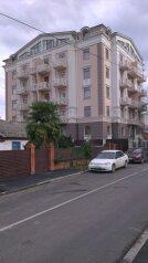 2-комн. квартира, 78 кв.м. на 6 человек, улица Тюльпанов, 17, Адлер - Фотография 1