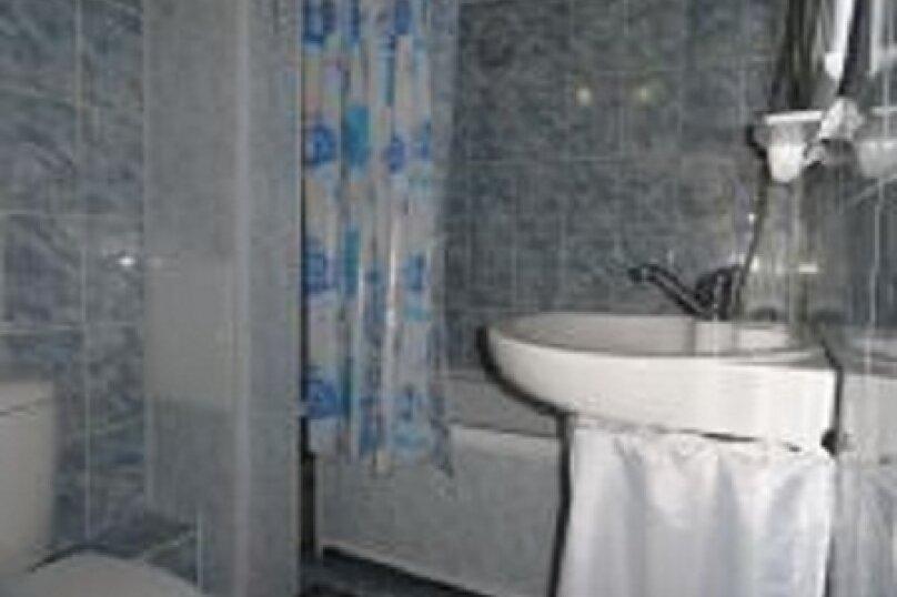 2-комн. квартира, 55 кв.м. на 4 человека, улица Ладо Кецховели, 69, Красноярск - Фотография 4