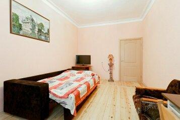 2-комн. квартира, 48 кв.м. на 4 человека, Советский проспект, Центральный район, Кемерово - Фотография 1