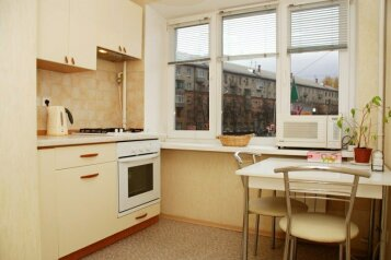 1-комн. квартира, 36 кв.м. на 2 человека, улица 50 лет Октября, 22, Центральный район, Кемерово - Фотография 4