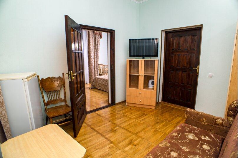 """Гостевой дом """"Приморье"""", Приморская улица, 38 на 38 комнат - Фотография 19"""