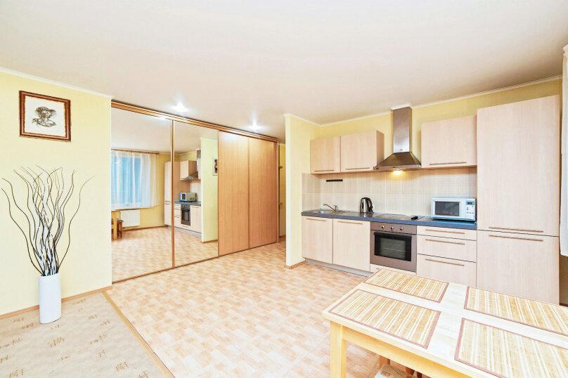 1-комн. квартира, 48 кв.м. на 3 человека, улица Щорса, 35, Екатеринбург - Фотография 1