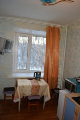 1-комн. квартира, 30 кв.м. на 3 человека, проспект Победы, 12, Нижневартовск - Фотография 2