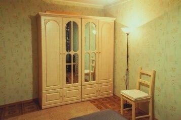 2-комн. квартира на 4 человека, проспект Победы, 22, Оренбург - Фотография 3
