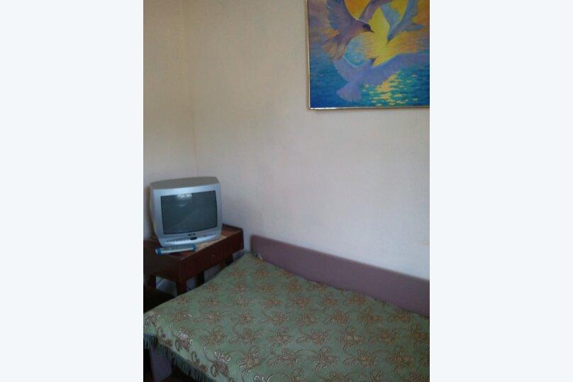 Комната по ул.Горького недорого на 50 человек, 2 спальни, улица Саранчева, 2, Алушта - Фотография 13