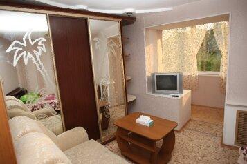 3-комн. квартира, 68 кв.м. на 14 человек, улица Калинина, 177, Владивосток - Фотография 4