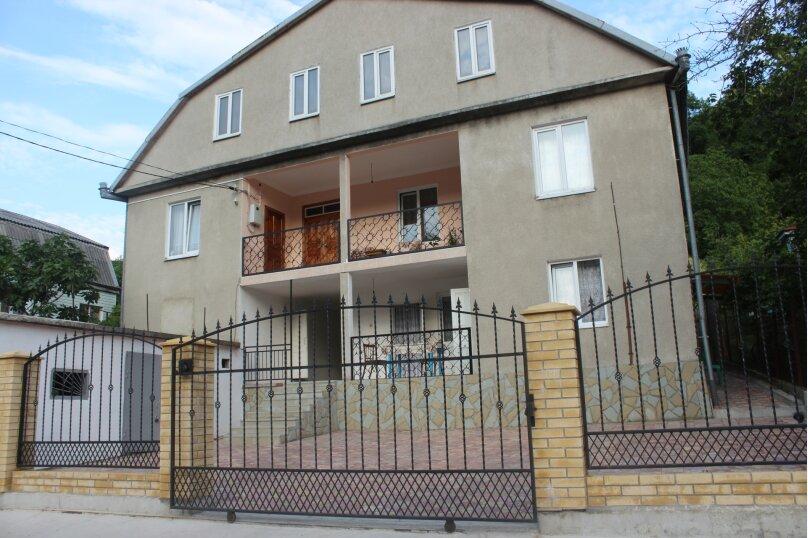 """Гостевой дом """"Джалала"""", Приморская улица, 23 на 6 комнат - Фотография 1"""