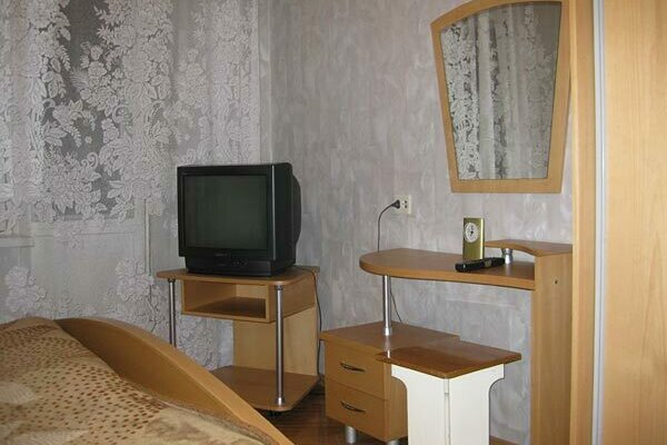1-комн. квартира на 4 человека, улица Старовского, 30, Сыктывкар - Фотография 1