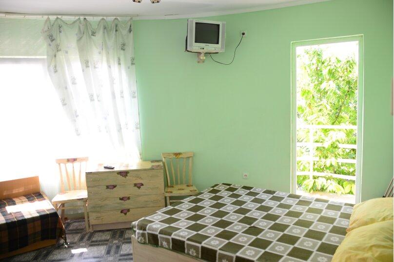 """Гостевой дом """"Три кита"""", Зеленая, 3 на 12 комнат - Фотография 33"""