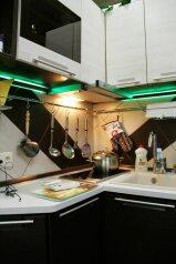 1-комн. квартира, 28 кв.м. на 2 человека, улица Николая Островского, Советский район, Астрахань - Фотография 2