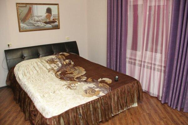 Дом на пер.Онежском, 150 кв.м. на 8 человек, 3 спальни, Онежский переулок, 15, Ленинский район, Астрахань - Фотография 1