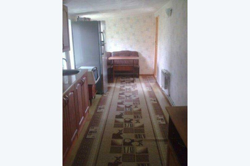 Сдаю жилье: 2 этаж частного дома с отдельным входом., 100 кв.м. на 4 человека, 2 спальни, Прохладная, 4, Балаклава - Фотография 1